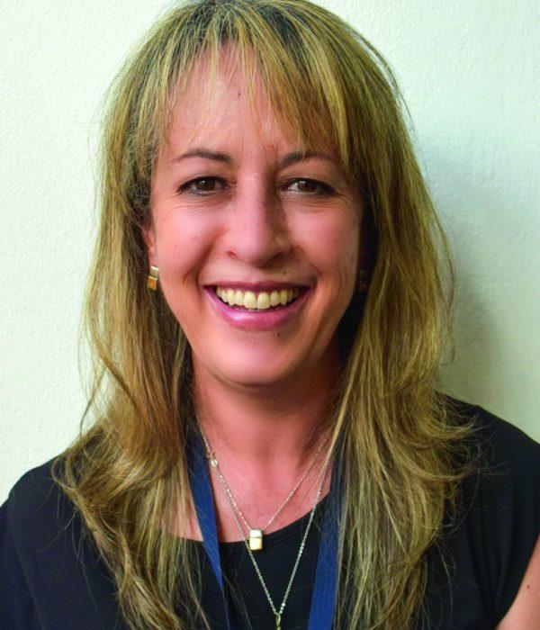 Karin Hergett-Directora administrativa_1