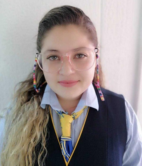 Niny Cabrera- Auxiliar de ruta y Administración